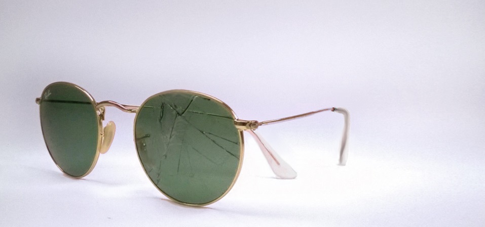 ray ban glass scratch repair  broken or scratched lenses?